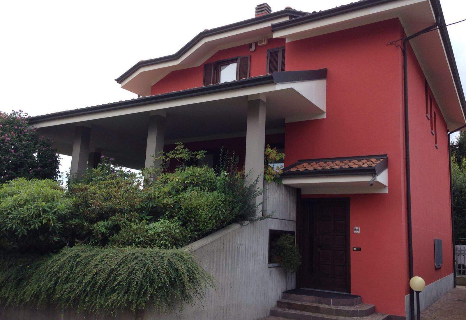 Beautiful 90's villa center of Borgomanero