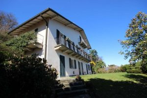 Splendid property with Maggiore lake view