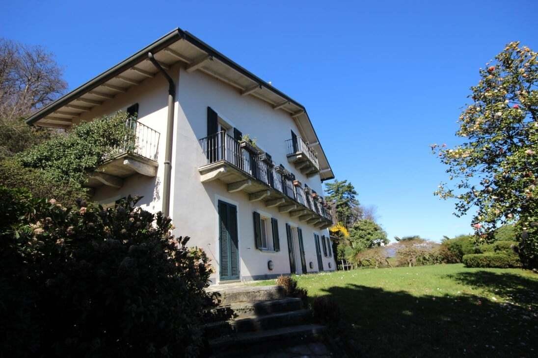 Splendid property with Maggiore lake view