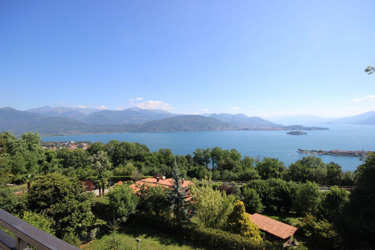 Magnificent apartment Maggiore Lake view
