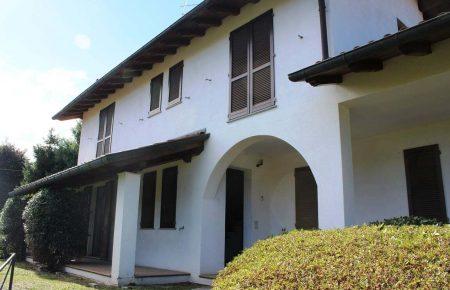Indipendent villa Vezzo / Gignese