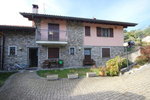 Duplex house in central Carpugnino