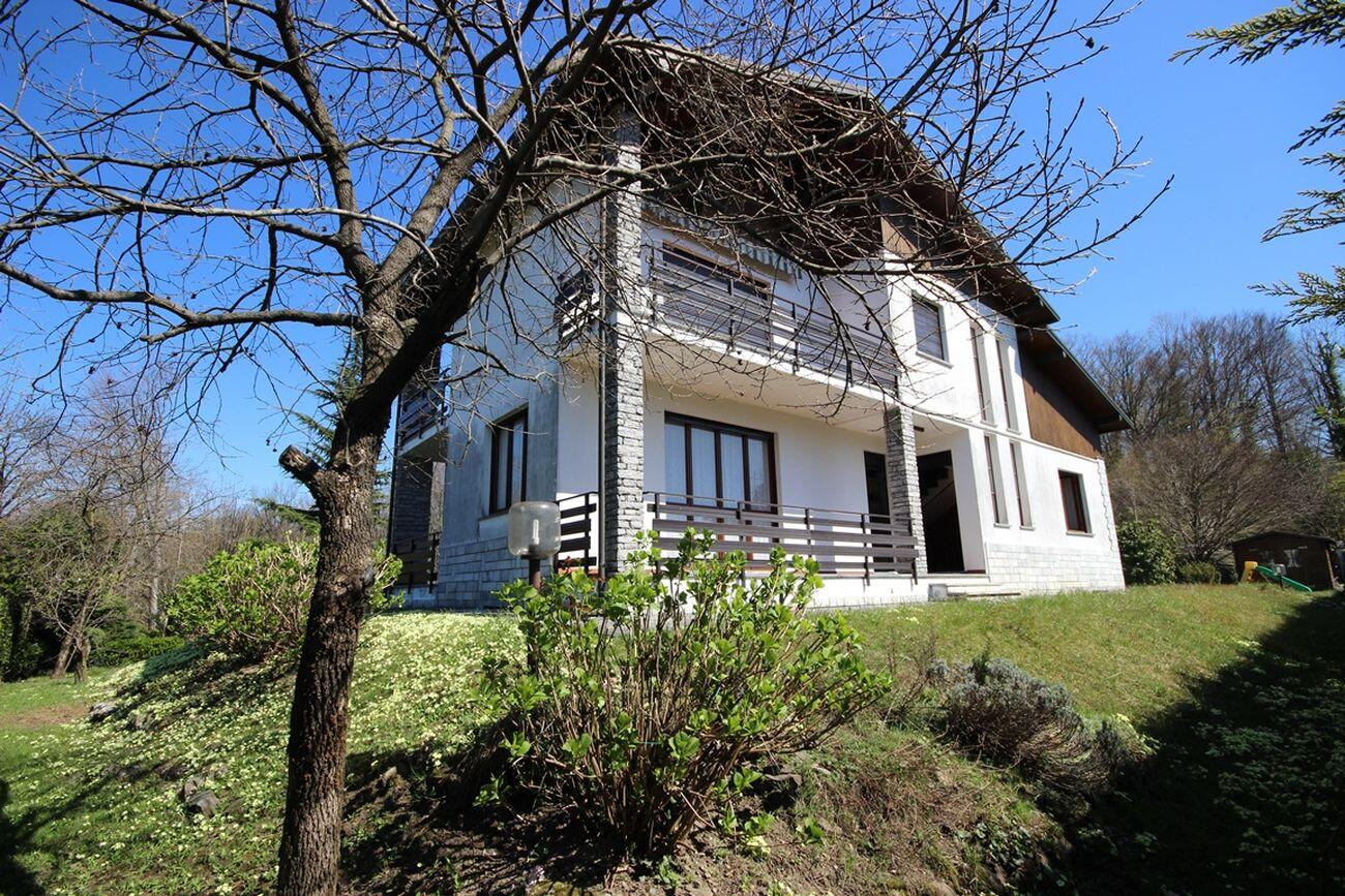 Apartment in villa Gignese