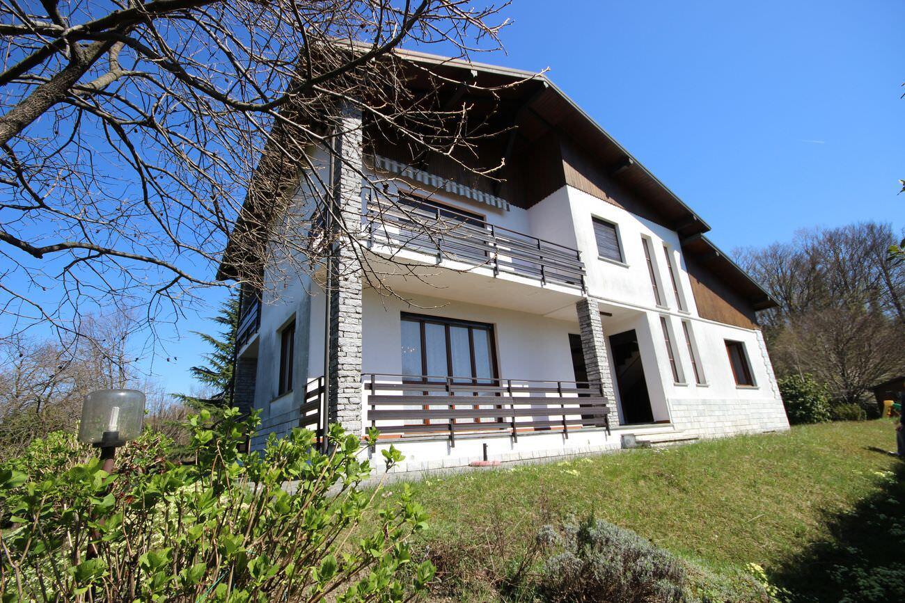 Villa nel verde sulle colline di Stresa