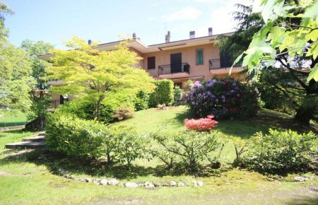 Apartment with garden in Gignese centre