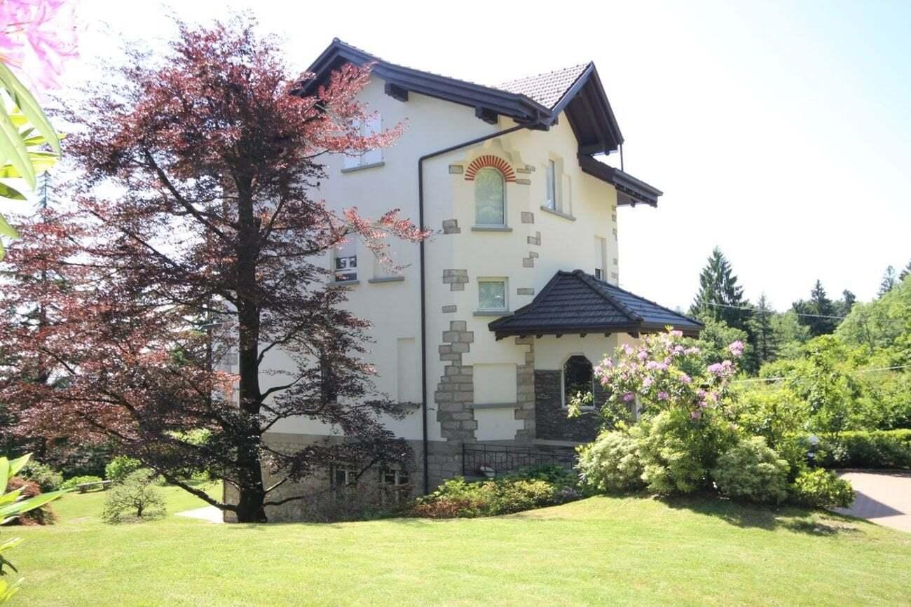 Villa d'epoca vista Lago Maggiore