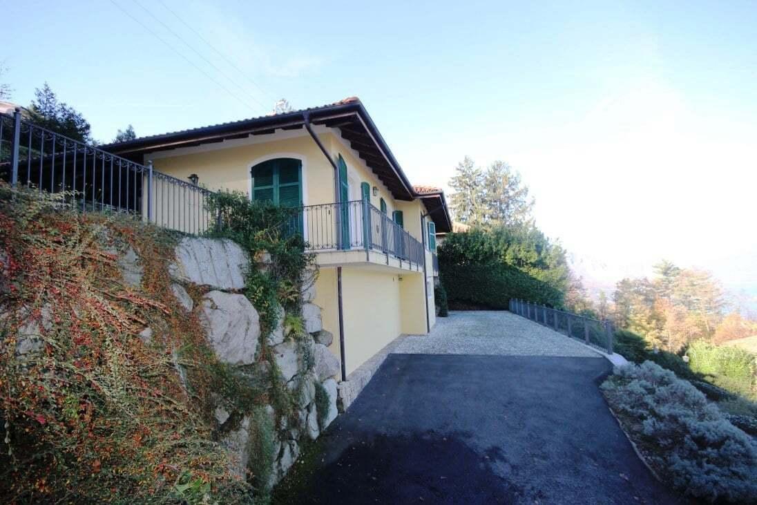 Villa con bellissima vista Lago Maggiore