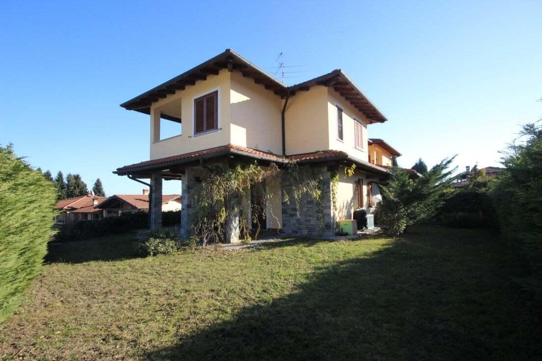 Villa bifamiliare centro Gignese