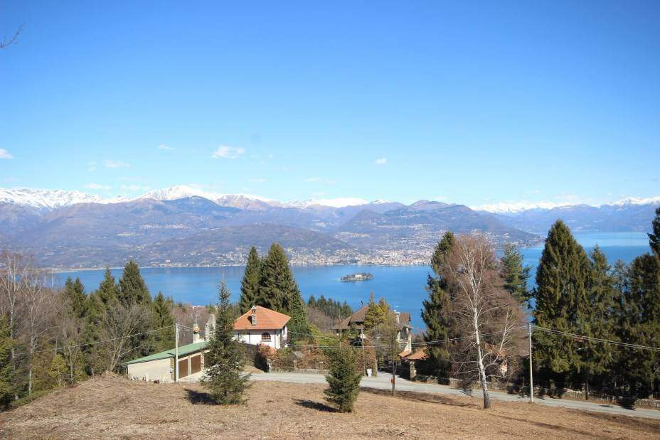 Building land magnificent lake view Gignese
