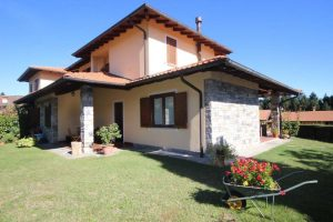 Beautiful two- family villa Gignese