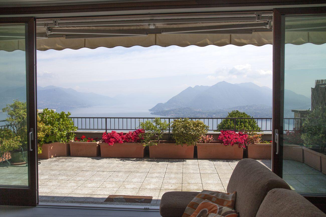 Magnificent apartment with Maggiore Lake view