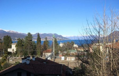 Apartment in Stresa with Maggiore Lake view