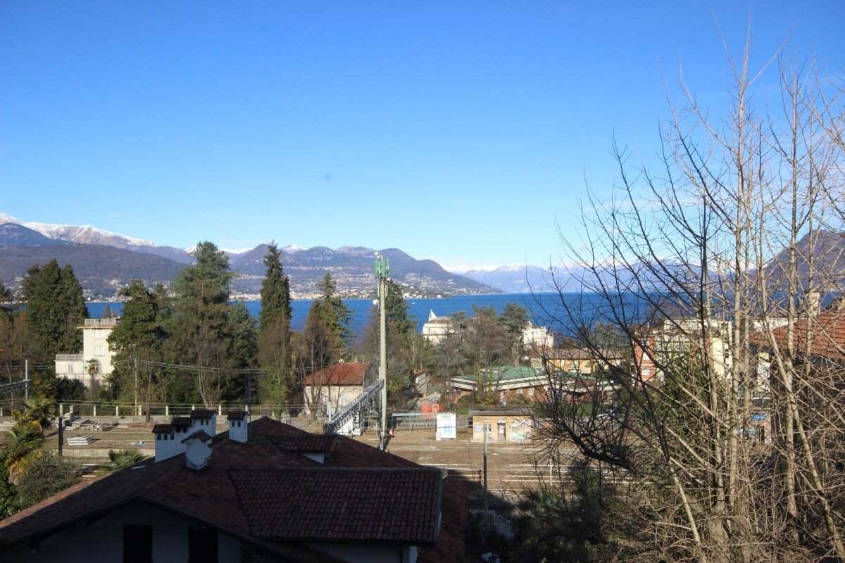 Apartment in Stresa with Maggiore Lake view