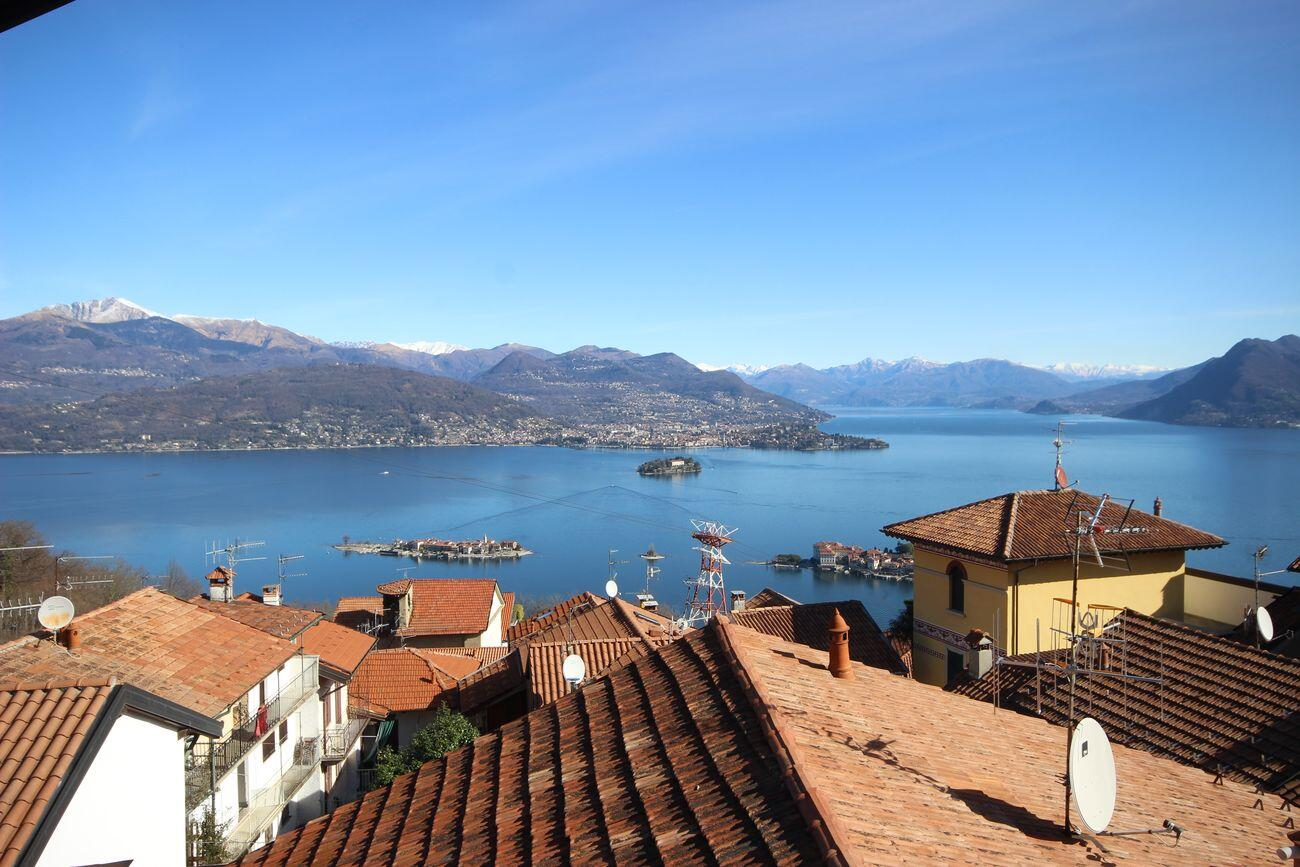 Ancient country house Stresa's Hills