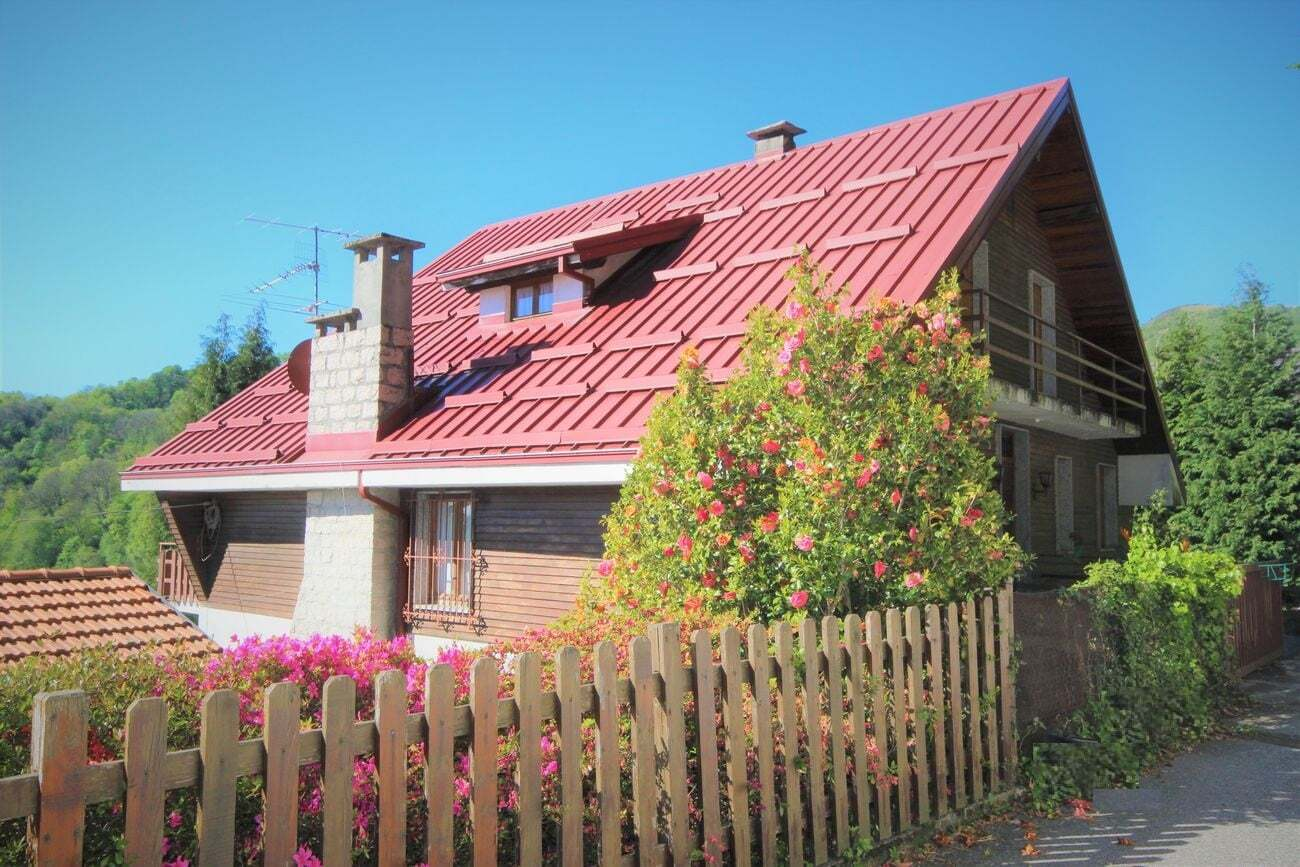 Gignese chalet style house