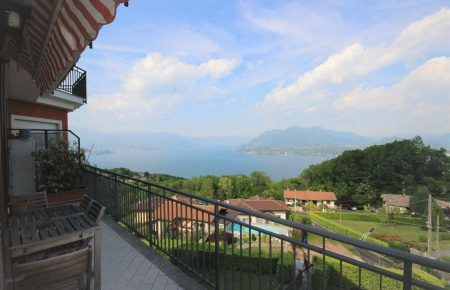 Apartment overlooking Lake Maggiore Magognino