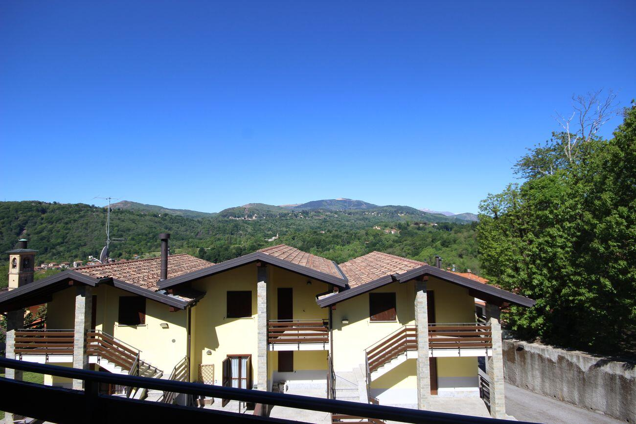Apartments with panoramic view Stropino