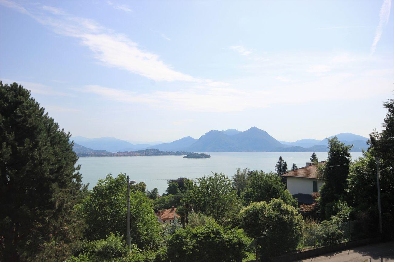 Apartment lake view in Baveno
