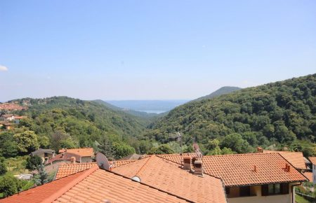 Maggiore lake view apartment in Gignese
