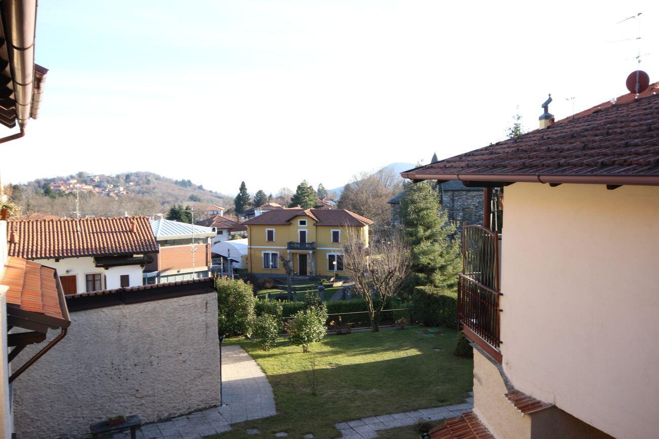 Appartamento in centro Gignese con giardino condominiale